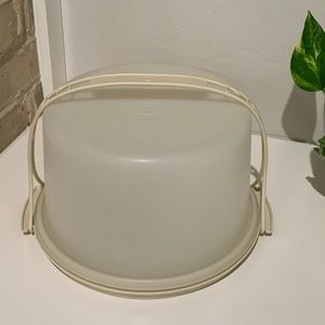 Tupperware Cake Carrier with Handle